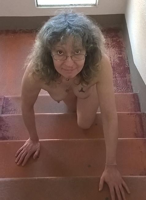 Chienne-escaliers01_17-07-2018.jpg