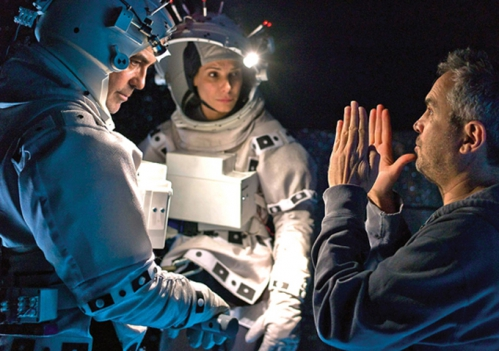 gravity-alfonso-cuaron-george-clooney-set-image.jpg