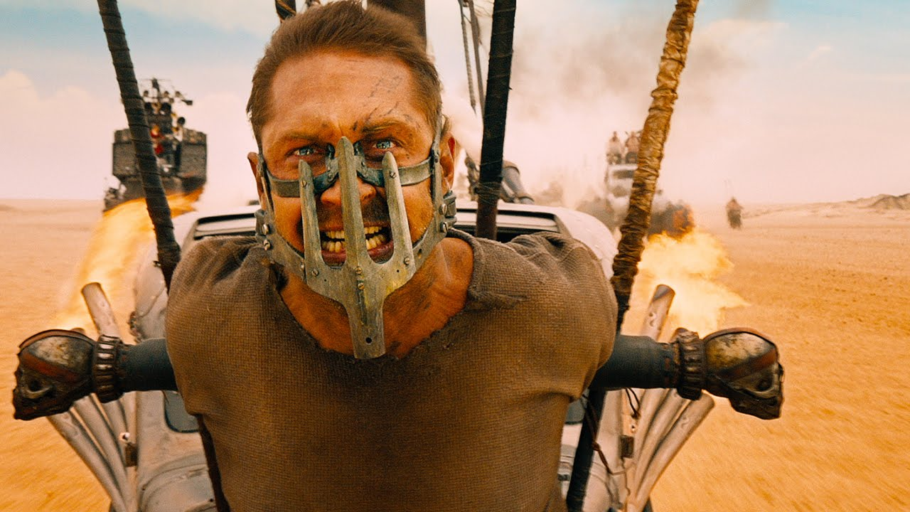 MAD-MAX-FURY-ROAD-image-du-film-2-Tom-Hardy-George-Miller-2015-Go-with-the-Blog.jpg