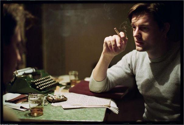 327686_l-acteur-sam-riley-dans-le-role-de-l-ecrivain-jack-kerouac-dans-le-film-sur-la-route-du-bresilien-walter-salles.jpg