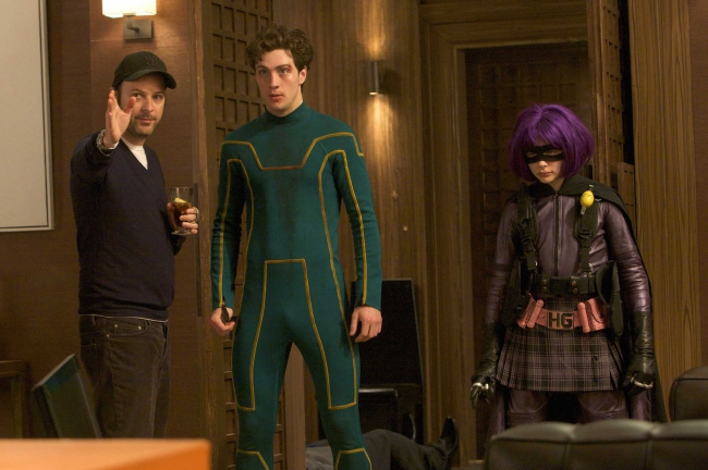 kick-ass_set_photo_matthew_vaughn_aaron_johnson_chloe_moretz.jpg