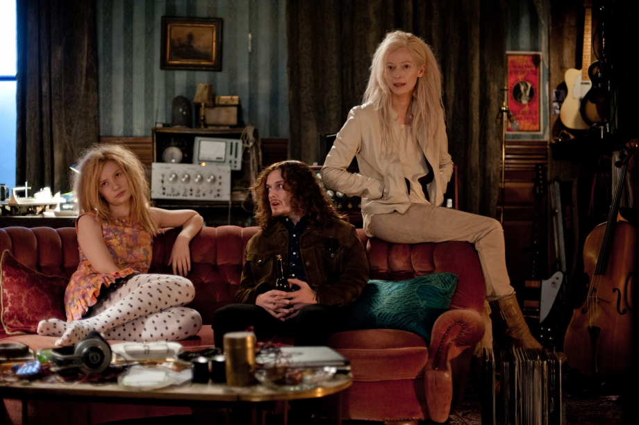 Only-Lovers-Left-Alive-Jim-Jarmusch-05.jpg