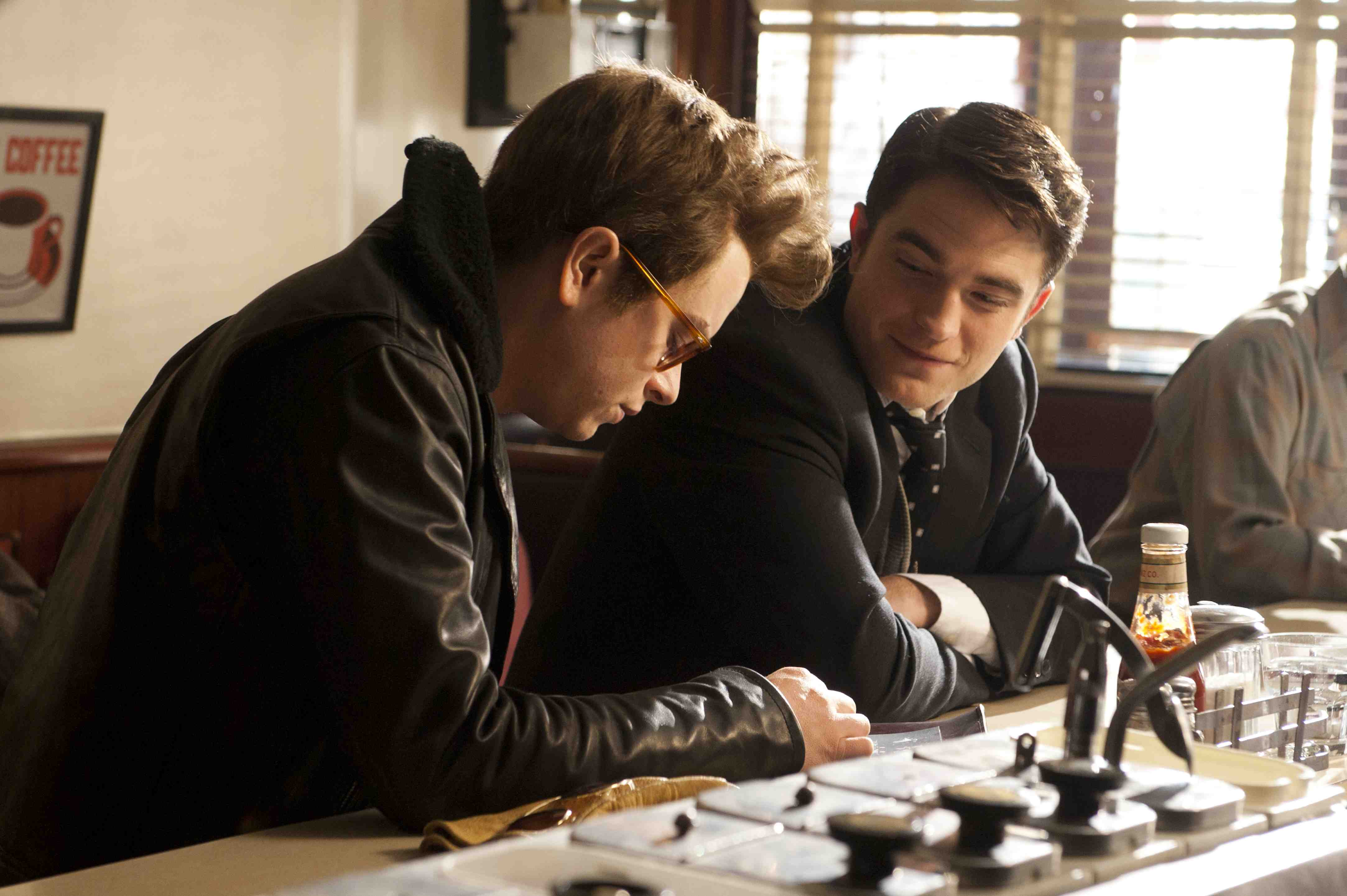 life-dane-dehaan-et-robert-pattinson-944768.jpg