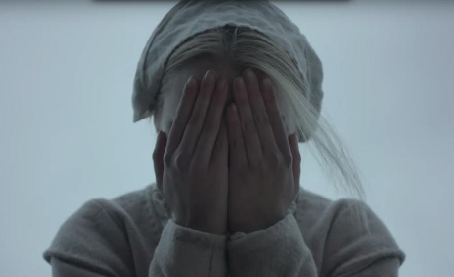 70414-the-witch-voici-la-bande-annonce-du-film-le-plus-effrayant-de-2016-video.png