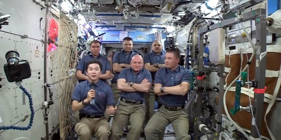 L-ISS-fete-15-ans-de-presence-humaine-dans-l-espace.jpg