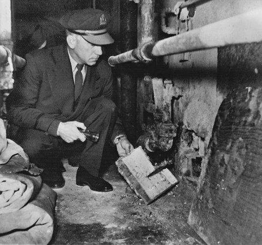 alcatraz-guard-1962.jpg