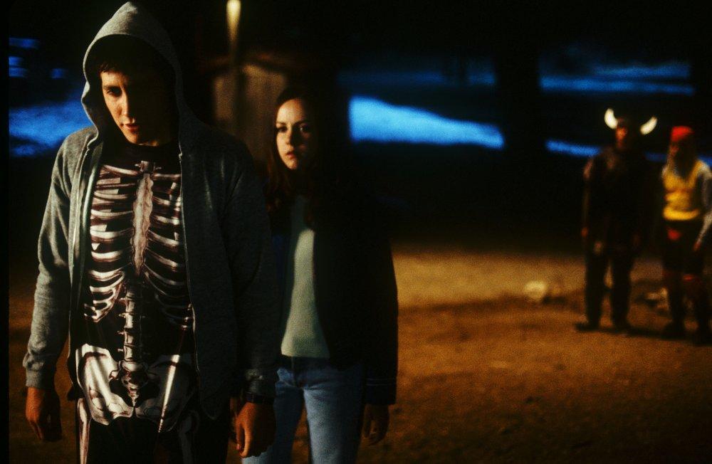 donnie-darko-2001-005-jake-gyllenhaal-skeleton-suit.JPG