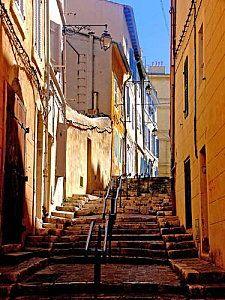 Une rue du Panier.jpg