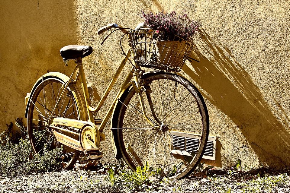 Vélo jaune.jpg