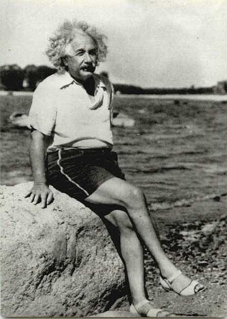 albert-einstein-wearing-womens-shoes.jpeg