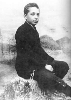 Einstein-Junior3-1.jpeg