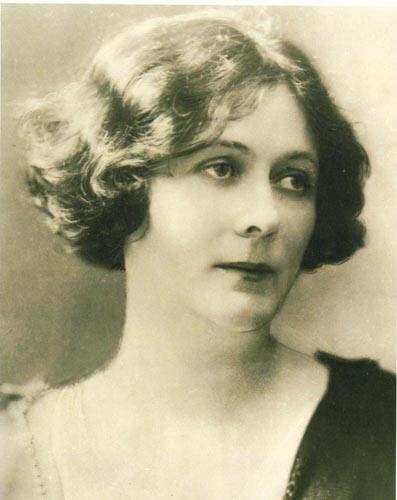 Isadora Duncan photo.jpeg
