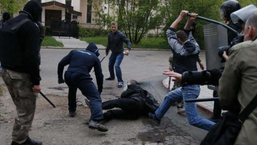 2014-04-29T031116Z_841582788_GM1EA4T04E301_RTRMADP_3_UKRAINE-CRISIS_0.jpeg