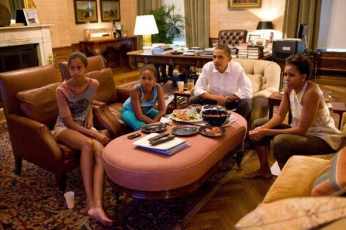 Obama-family-.-TV.jpeg