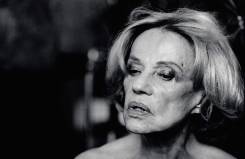 Peter-Lindbergh-Jeanne-Moreau-Vogue-Italy-Paris-2004.jpeg