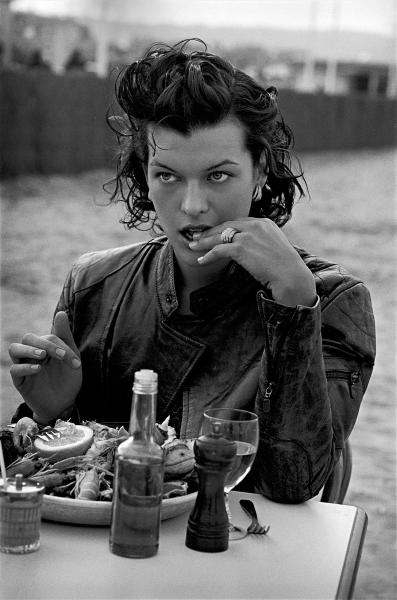 Photo+Milla+Jovovich+Peter+Lindbergh.jpeg