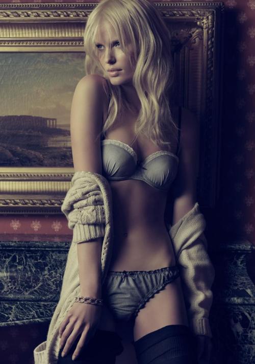 blanco-lingerie-2010-campaign-caroline-winberg-by-hunter-gatti-3.jpeg