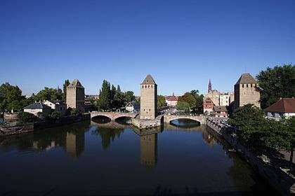 420px-Ponts_Couverts_Strasbourg_FRA_001.jpeg