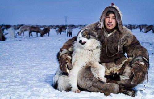 Inuits-From-Russia-by-Sasha-Leahovcenco-12.jpeg