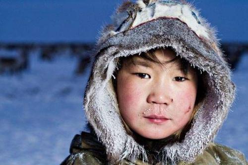 Inuits-From-Chukotka-By-Photographer-Sasha-Leahovcenco-4.jpeg
