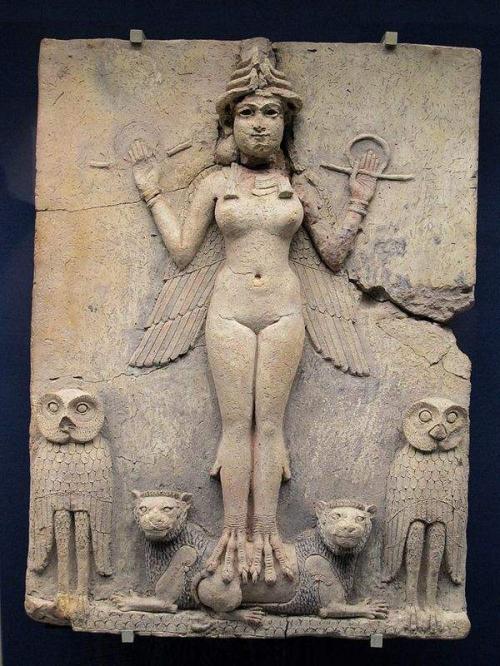 600px-Ishtar_goddess.jpeg