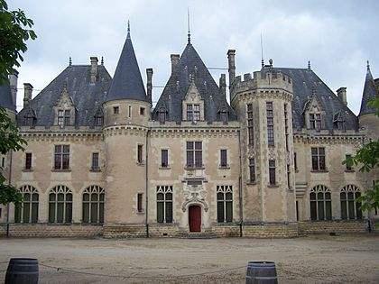 420px-St_Michel_de_Montaigne_Château01-1.jpeg