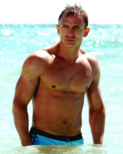 Daniel-Craig-Shirtless.jpeg