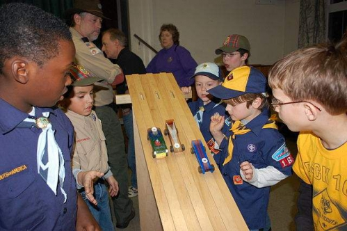 640px-Cub_Scout_Pinewood_Derby_start.jpeg