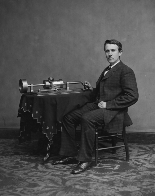 Edison_and_phonograph_edit1.jpeg