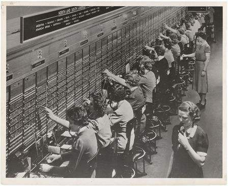 .732px-Photograph_of_Women_Working_at_a_Bell_System_Telephone_Switchboard__3660047829__m.jpeg