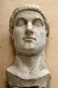 02-47736-figurine-de-l-empereur-constantin-fondateur-de-la-cite-de-constantine.jpeg