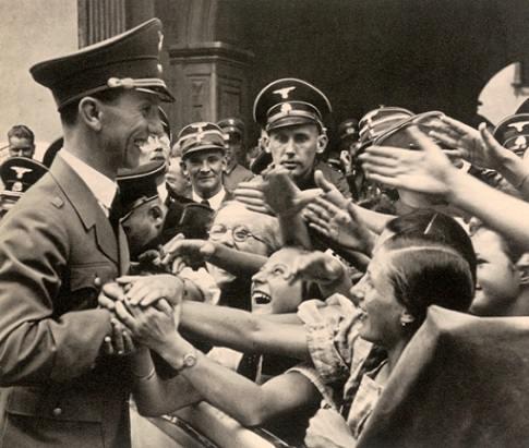 Joseph_Goebbels_Fans.jpeg