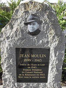 220px-Les_Clayes_sous_Bois_Monument_Jean_Moulin.jpeg