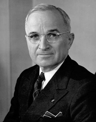 330px-Harry_S._Truman.jpeg