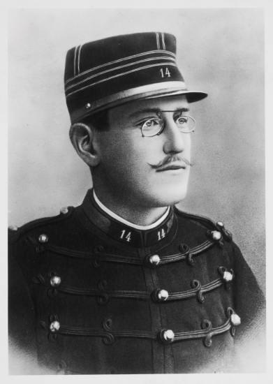 1315235-Portrait_du_capitaine_Dreyfus.jpg