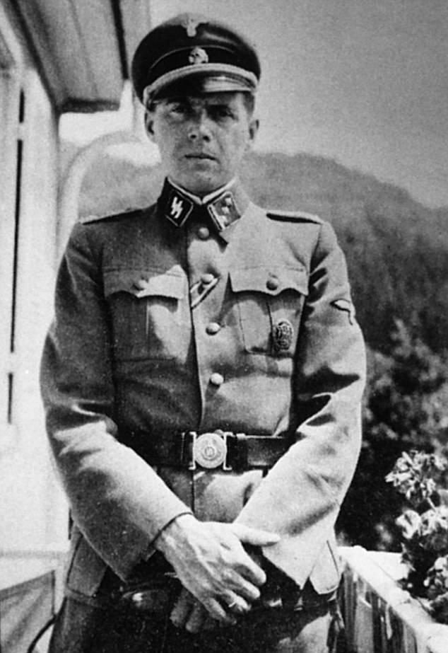 1414251468343_wps_20_Dr_Josef_Mengele_Nazi_Doc.jpg