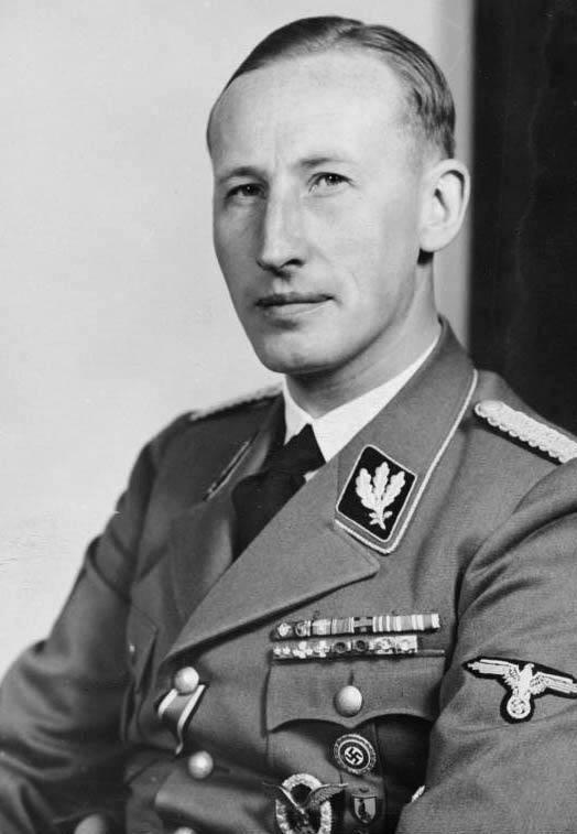 Bundesarchiv_Bild_146-1969-054-16_Reinhard_Heydrich.jpg