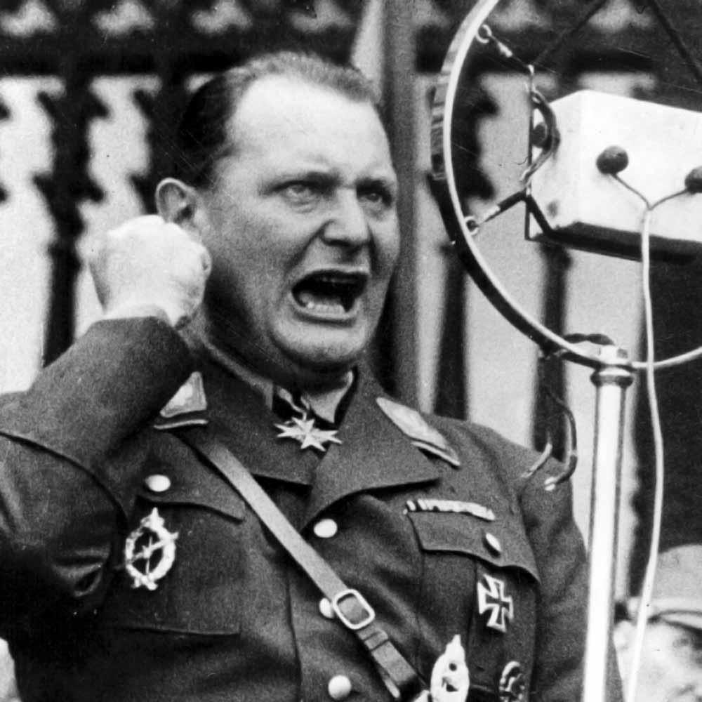Goering-1935-a.jpg