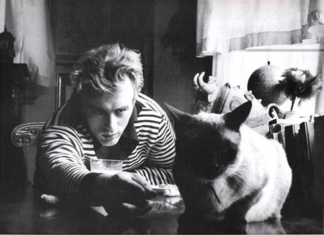 vintage-celebs-with-pets-27.jpg
