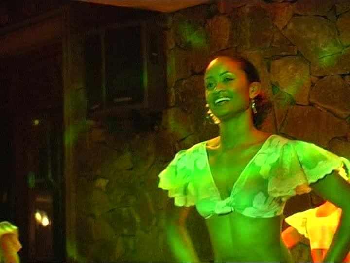 341233119-sega-show-shandrani-female-dancer-mauritius.jpg