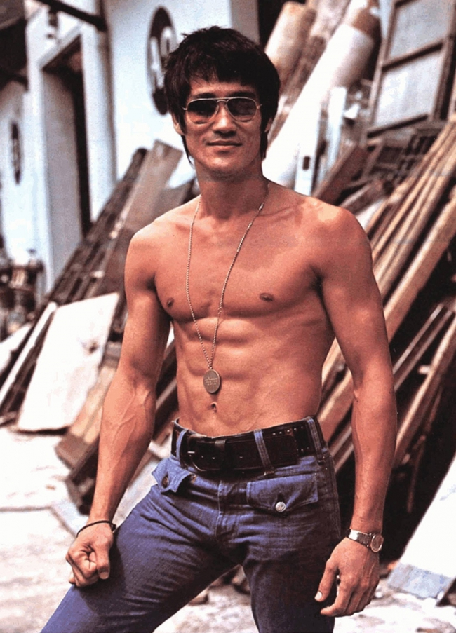111414-Bruce-Lee-The-Man-The-Legend.jpg