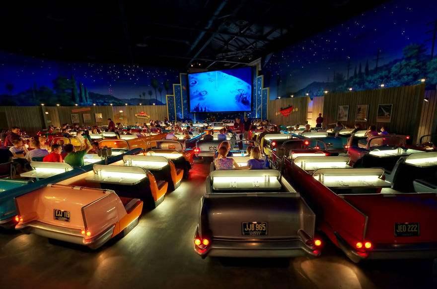 les-15-plus-belles-salles-de-cinema-au-monde-03.jpg