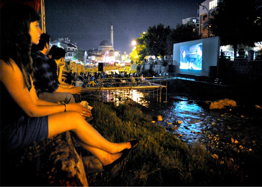 les-15-plus-belles-salles-de-cinema-au-monde-16.jpg