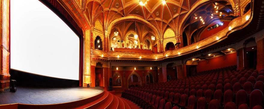 les-15-plus-belles-salles-de-cinema-au-monde-02.jpg