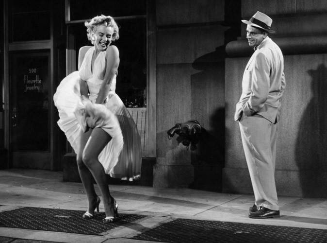 Mode-la-celebre-robe-blanche-de-Marilyn-Monroe-vaut-de-l-or_portrait_w674.jpg