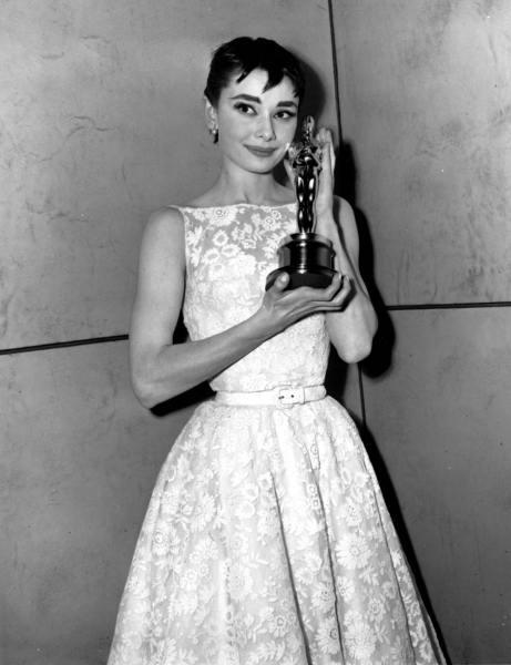 1954-Oscars-Givenchy.jpg