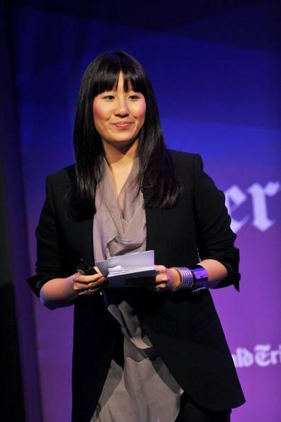 Jennifer+Woo+International+Herald+Tribune+qbsdaqZnfdFl.jpg
