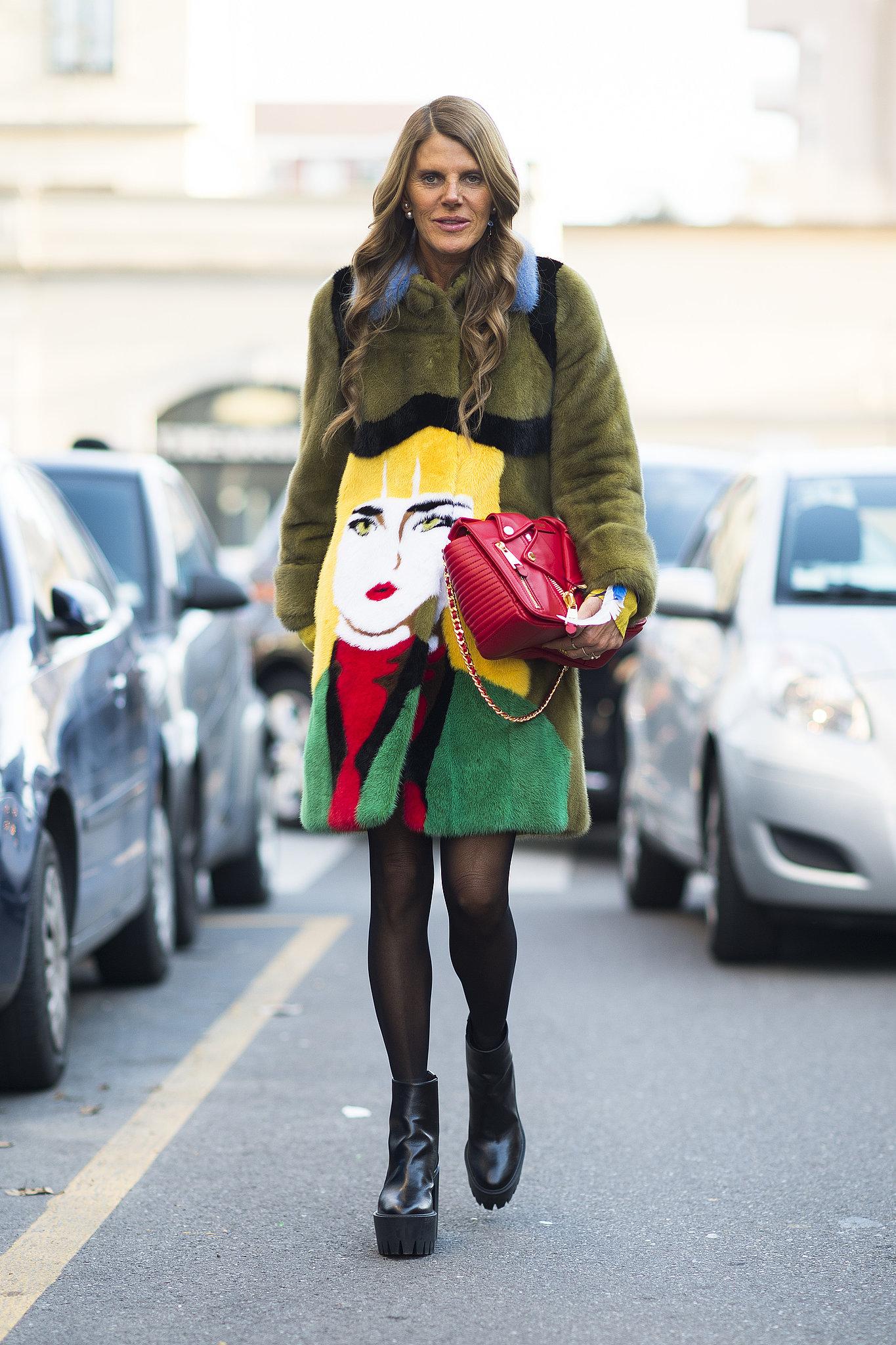 Anna-Dello-Russo-may-just-showing-off-buzziest-item.jpg