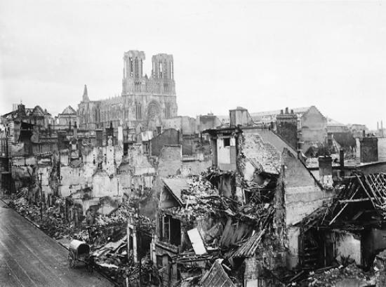 1313354-Bombardement_de_Reims_durant_la_Première_Guerre_mondiale.jpg