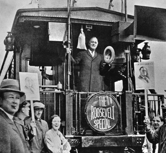 1314044-F_D_Roosevelt_en_campagne_électorale_1932.jpg